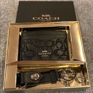 NWT - Coach credit card holder and key chain set